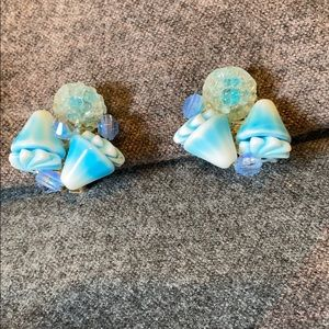 Jewelry - Blue glass beaded shells and sparkle clip earrings